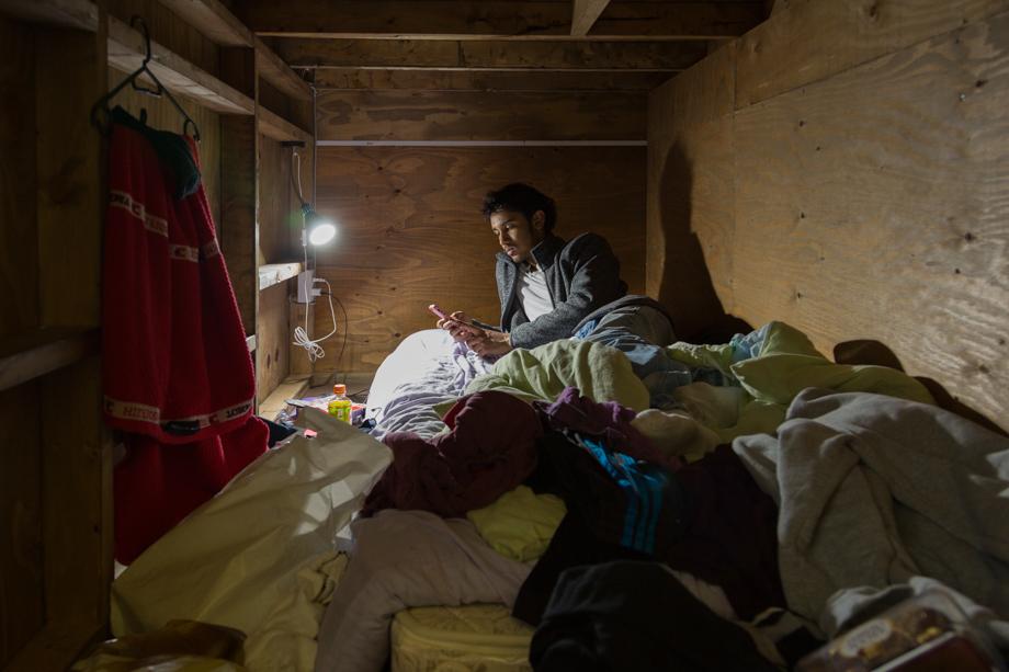 vivere-in-spazio-piccolo-camera-abitazione-casa-fotografia-won-kim-06