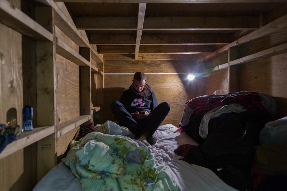 vivere-in-spazio-piccolo-camera-abitazione-casa-fotografia-won-kim-07