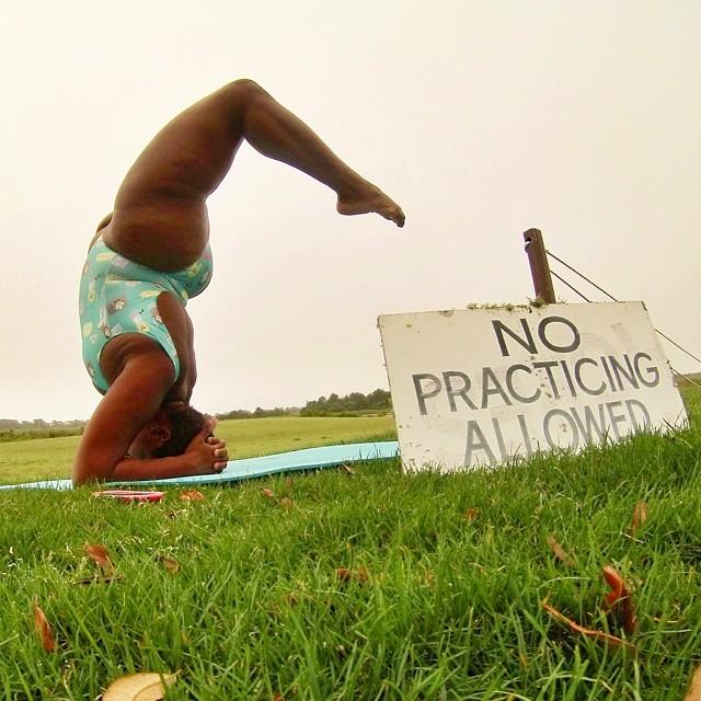 yoga-yogi-obesità-peso-corporeo-jessamyn-stanley-05