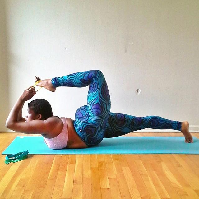 yoga-yogi-obesità-peso-corporeo-jessamyn-stanley-07