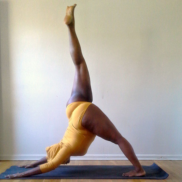 yoga-yogi-obesità-peso-corporeo-jessamyn-stanley-11