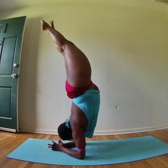 yoga-yogi-obesità-peso-corporeo-jessamyn-stanley-13