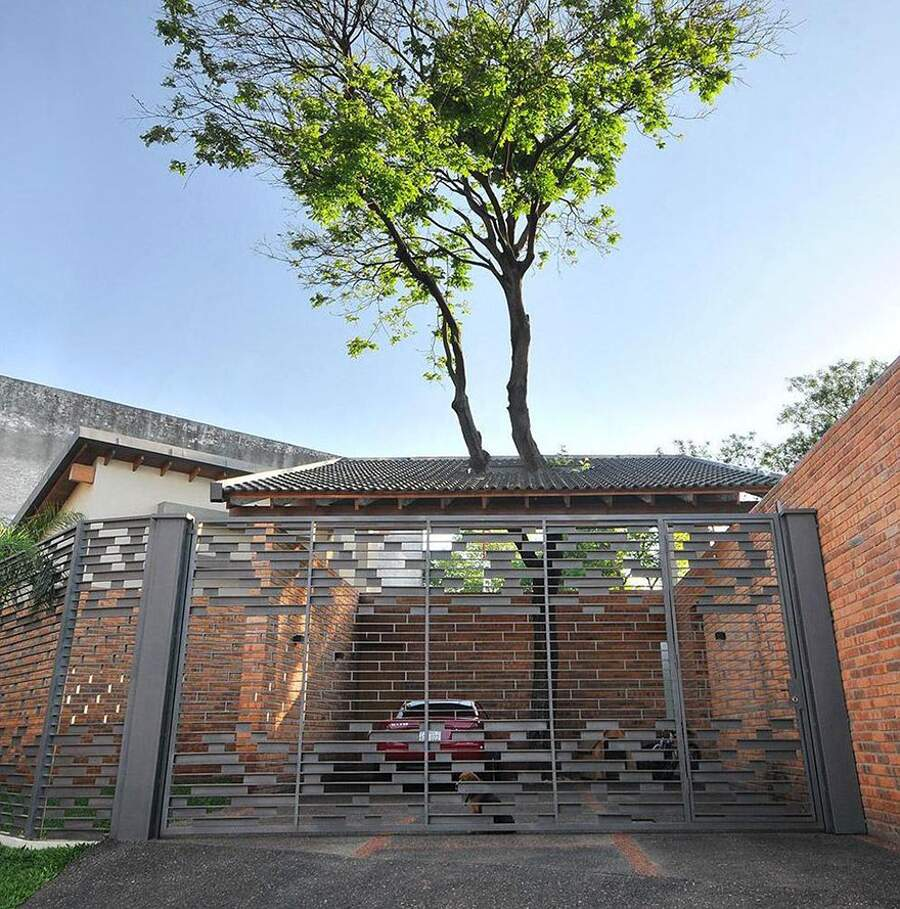 Edifici che incorporano alberi, architettura integrata con la natura