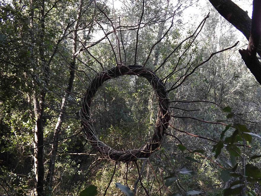 arte-sculture-organiche-foresta-boschi-natura-spencer-byles-04