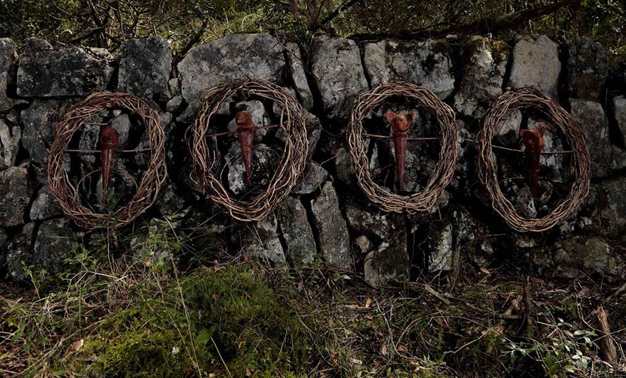 arte-sculture-organiche-foresta-boschi-natura-spencer-byles-05