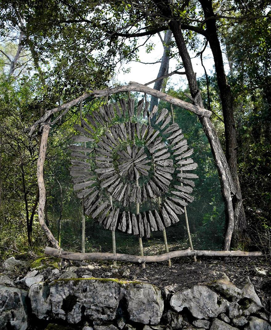 arte-sculture-organiche-foresta-boschi-natura-spencer-byles-06