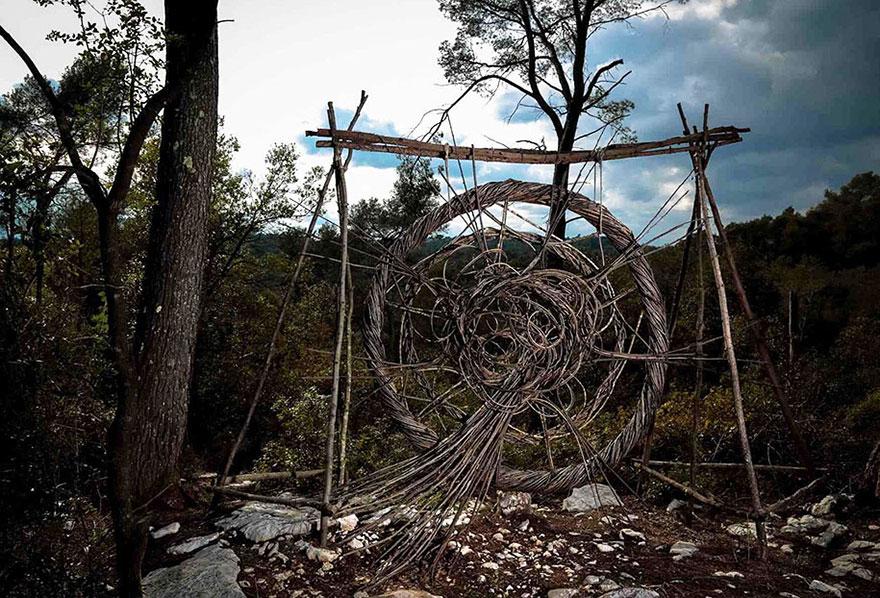arte-sculture-organiche-foresta-boschi-natura-spencer-byles-07