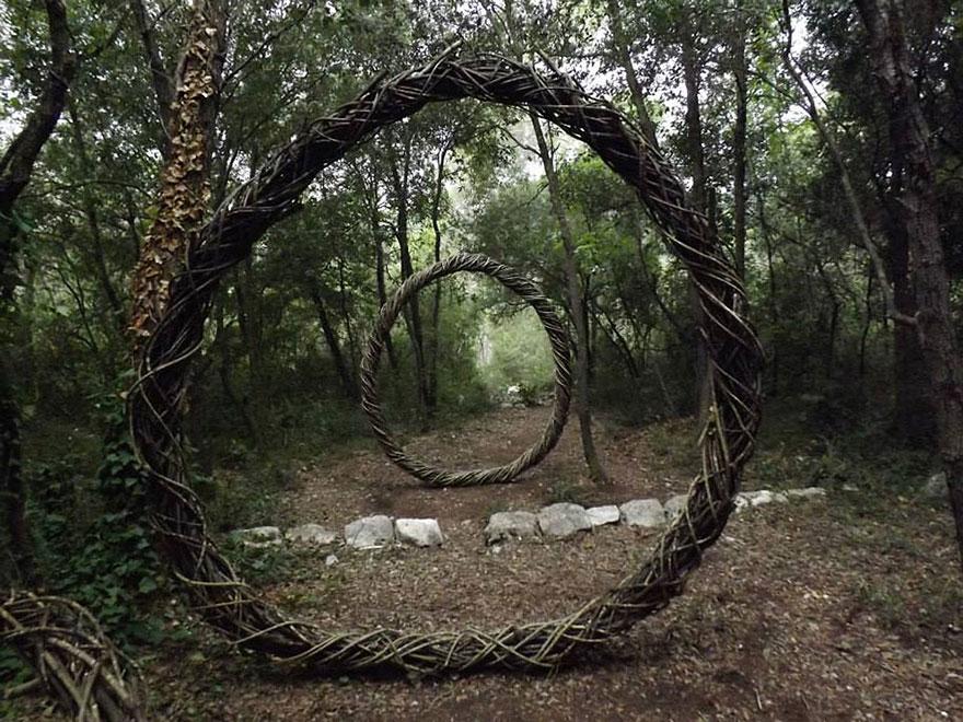 arte-sculture-organiche-foresta-boschi-natura-spencer-byles-12