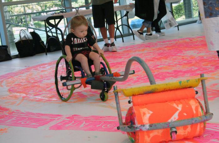 bambini-disabili-sedia-a-rotelle-rullo-colorare-divertimento-gioco-dwayne-szot-1