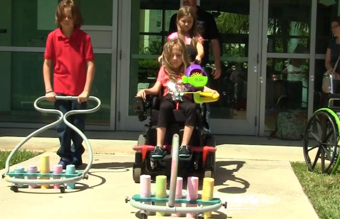 bambini-disabili-sedia-a-rotelle-rullo-colorare-divertimento-gioco-dwayne-szot-4