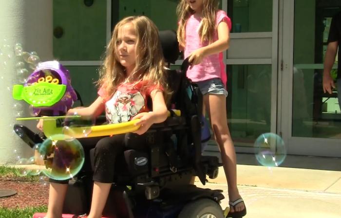 bambini-disabili-sedia-a-rotelle-rullo-colorare-divertimento-gioco-dwayne-szot-5