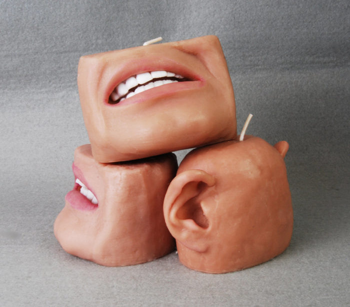 candele-profumate-raccapriccianti-bocca-orecchie-1