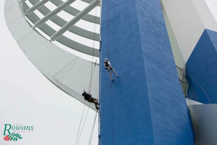 donna-101-anni-si-cala-grattacielo-spinnaker-tower-doris-long-5