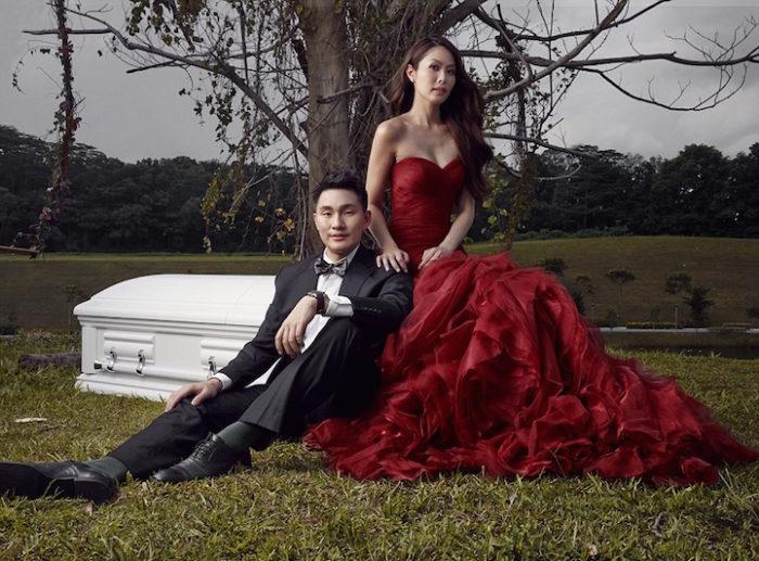 """Eccezionale Fino a che morte non ci separi"""": coppia di fidanzati posa per  CK96"""