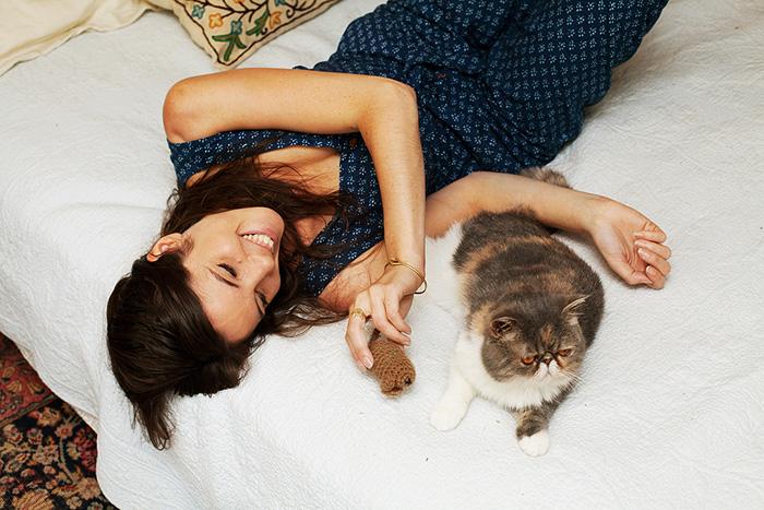 foto-di-ragazze-con-gatti-brianne-willis-10