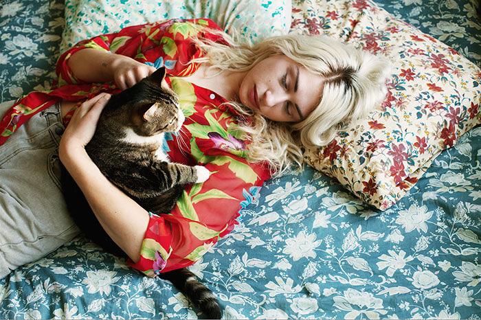 foto-di-ragazze-con-gatti-brianne-willis-12