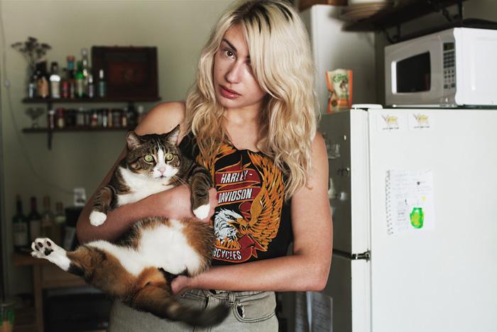foto-di-ragazze-con-gatti-brianne-willis-14