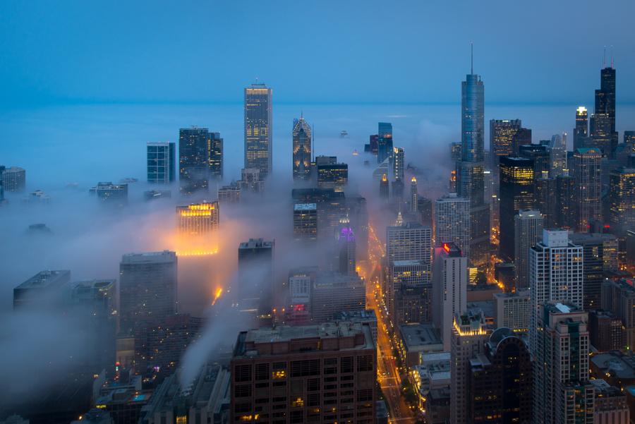 foto-grattacieli-chicago-nuvole-nebbia-peter-tsai-01