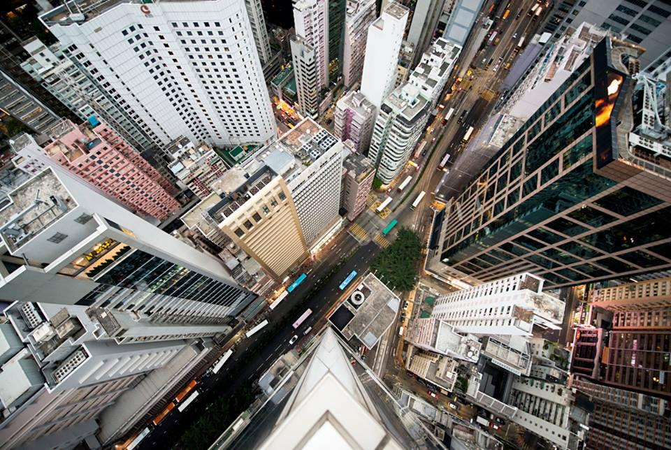 Queste foto scattate a mani nude dai tetti dei grattacieli for Immagini grattacieli di new york