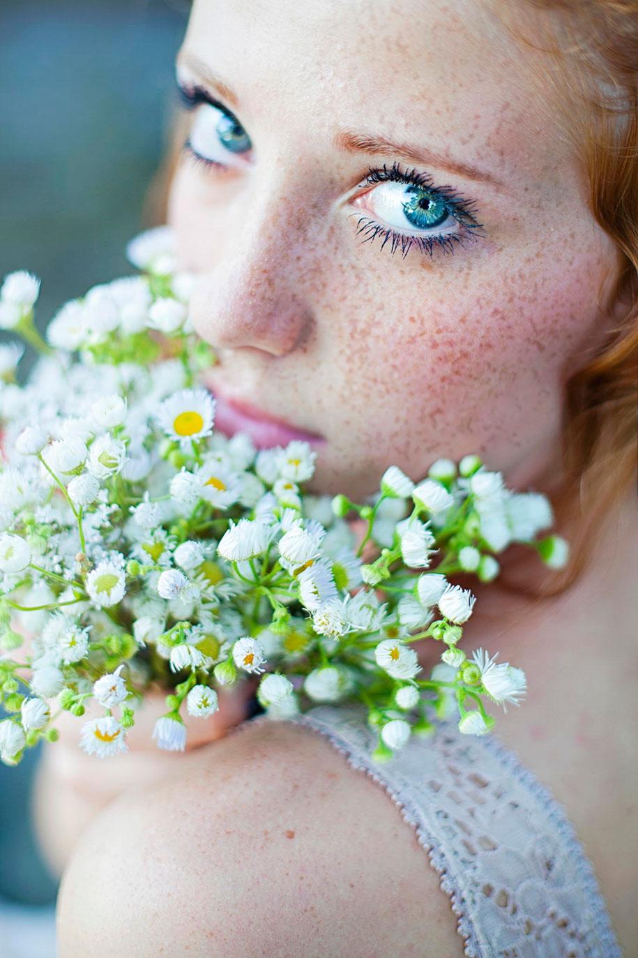 foto-ragazze-capelli-rossi-lentiggini-fiori-maja-topcagic-05
