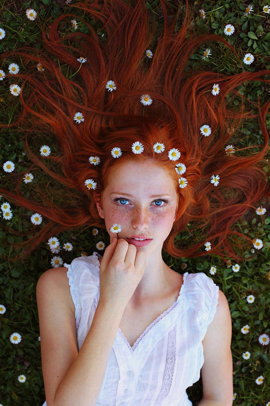 foto-ragazze-capelli-rossi-lentiggini-fiori-maja-topcagic-06