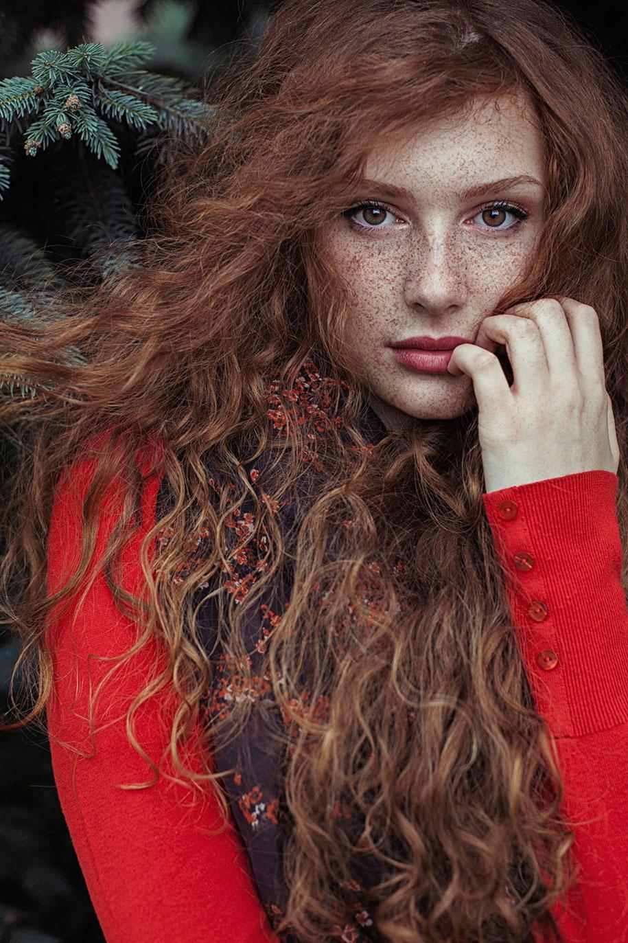 foto-ragazze-capelli-rossi-lentiggini-fiori-maja-topcagic-09