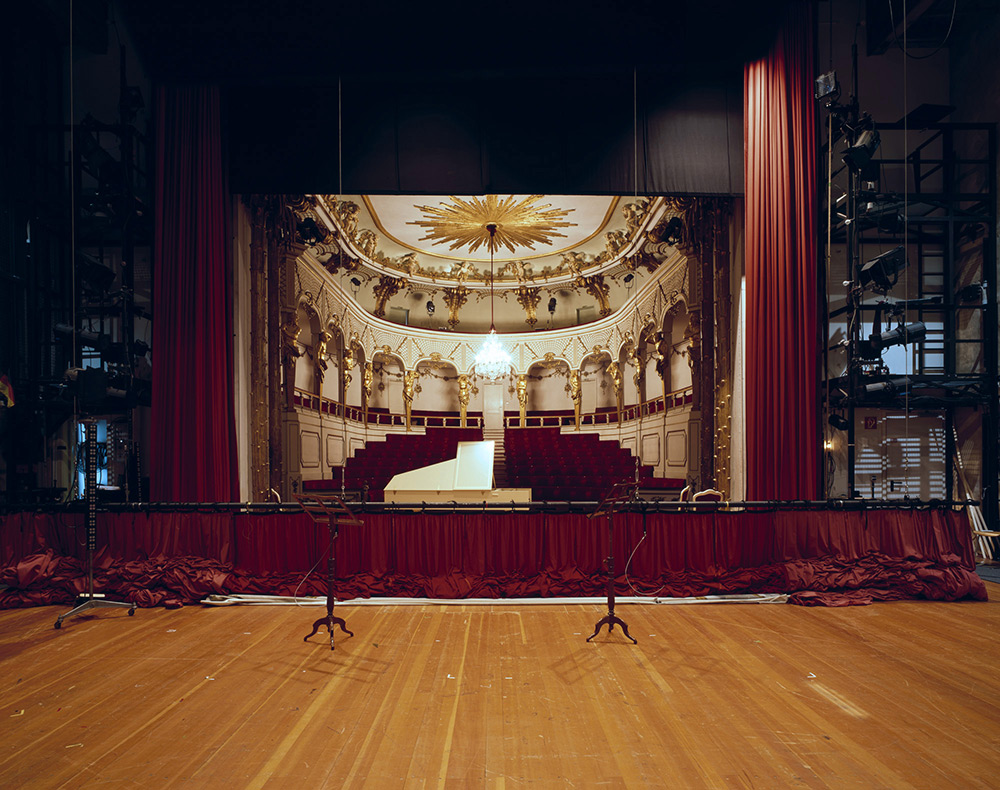 fotografia-palcoscenico-teatri-opera-auditorium-europa-the-fourth-wall-klaus-frahm-1