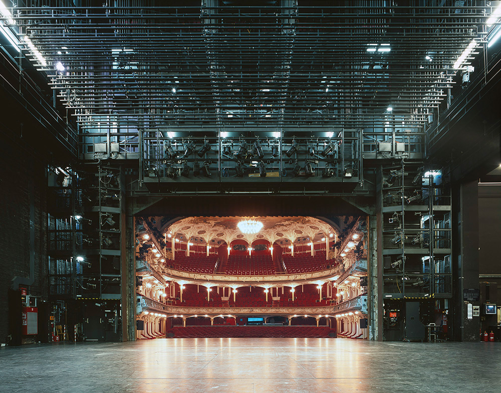 fotografia-palcoscenico-teatri-opera-auditorium-europa-the-fourth-wall-klaus-frahm-5