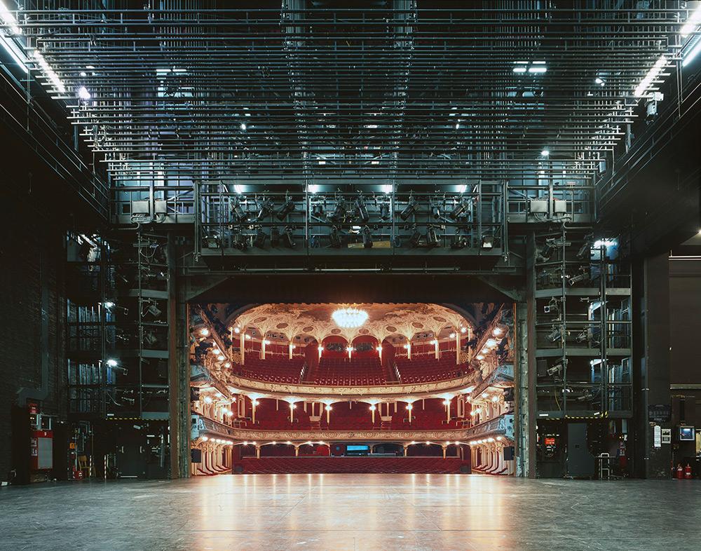 fotografia-palcoscenico-teatri-opera-auditorium-europa-the-fourth-wall-klaus-frahm-5