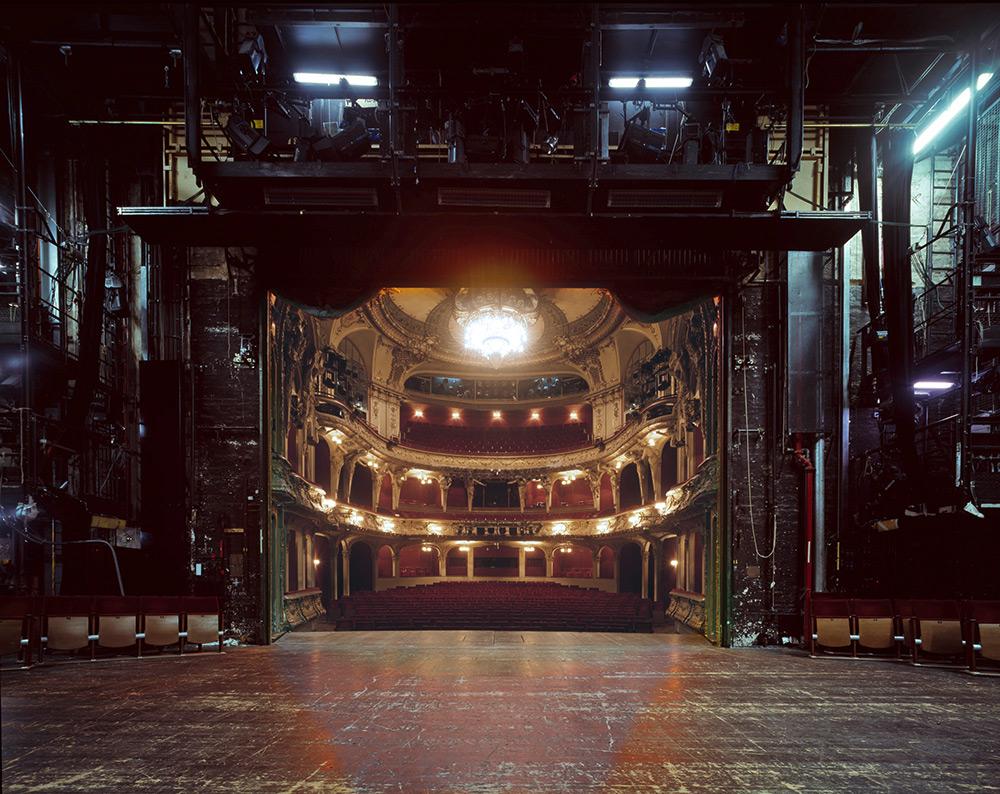 fotografia-palcoscenico-teatri-opera-auditorium-europa-the-fourth-wall-klaus-frahm-7