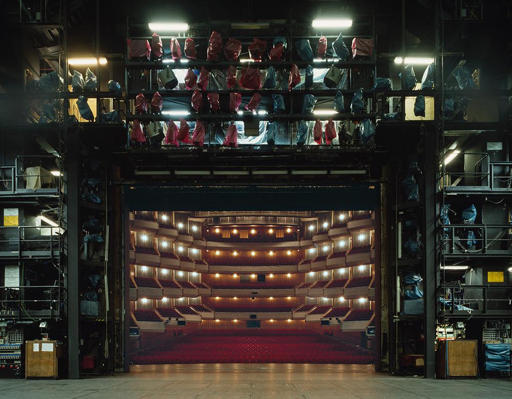 fotografia-palcoscenico-teatri-opera-auditorium-europa-the-fourth-wall-klaus-frahm-8