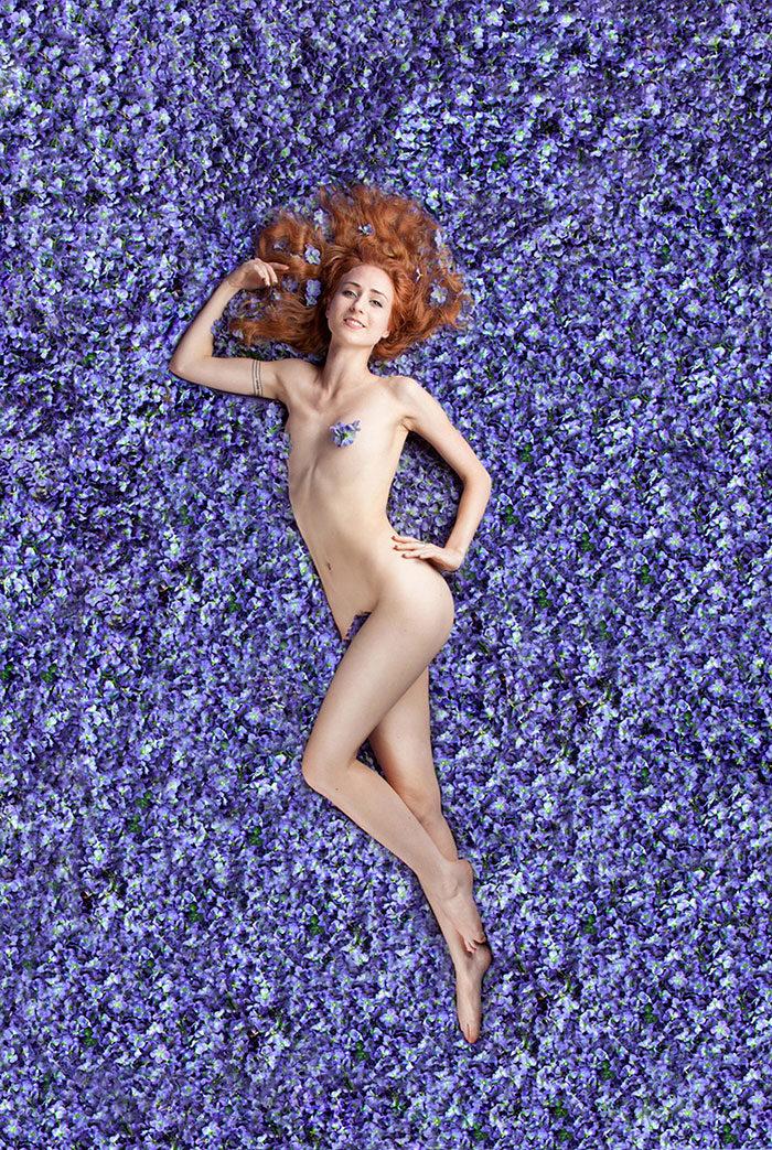 fotografie-donne-posano-come-american-beauty-carey-fruth-01