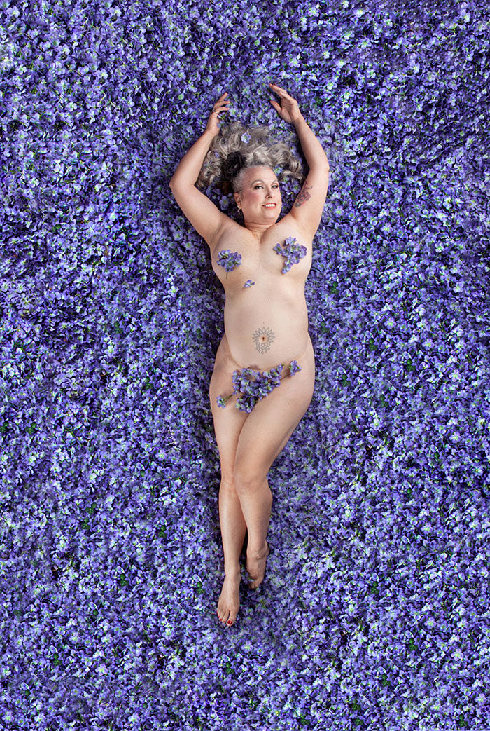 fotografie-donne-posano-come-american-beauty-carey-fruth-02