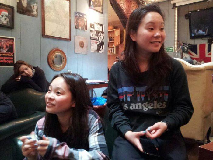 gemelle-identiche-adottate-separate-dalla-nascita-si-ritrovano-dopo-25-anni-samantha-futerman-12