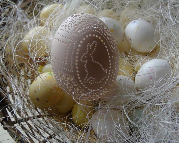gusci-uovo-incisi-decorazioni-pasqua-beth-ann-magnuson-13