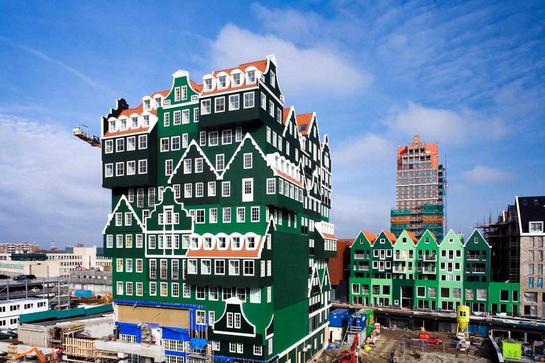 hotel-piu-bizzarri-al-mondo-alberghi-strani-Inntel-Hotel-Amsterdam-Zaandam-1