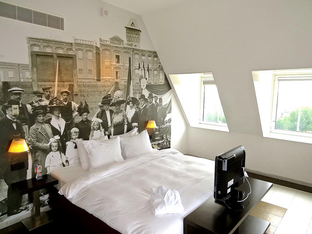 hotel-piu-bizzarri-al-mondo-alberghi-strani-Inntel-Hotel-Amsterdam-Zaandam-2