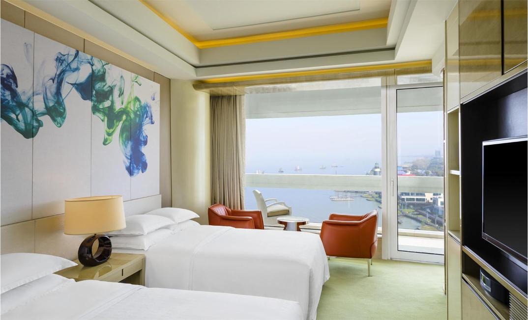 hotel-piu-bizzarri-al-mondo-alberghi-strani-Sheraton-Huzhou-Hot-Spring-Resort-2