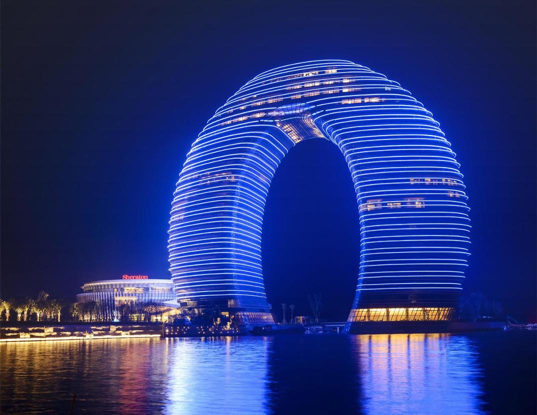 hotel-piu-bizzarri-al-mondo-alberghi-strani-Sheraton-Huzhou-Hot-Spring-Resort-3