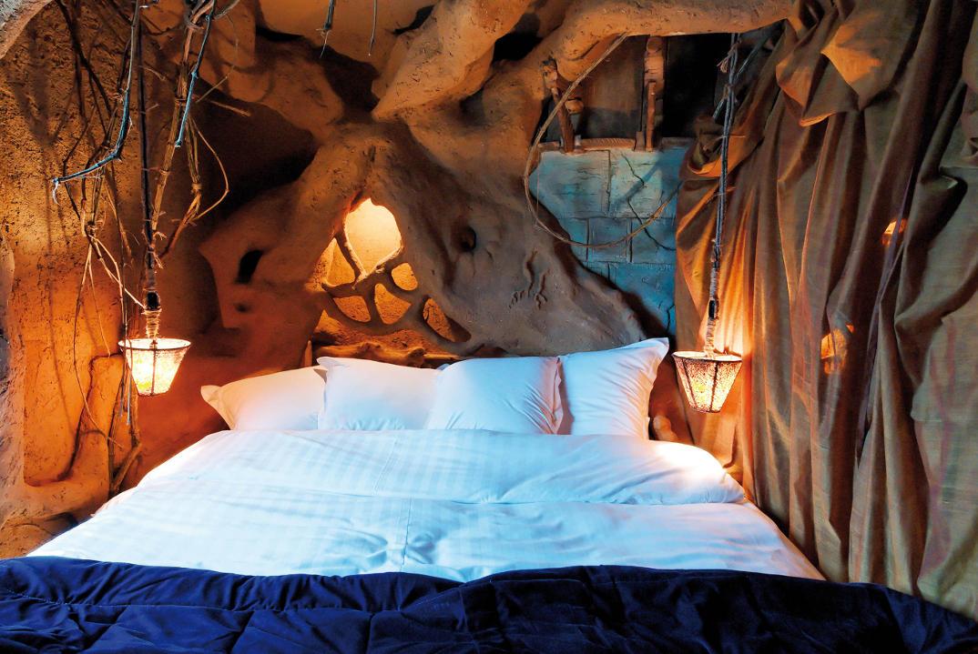 hotel-piu-bizzarri-al-mondo-alberghi-strani-balede-des-gnomes-2