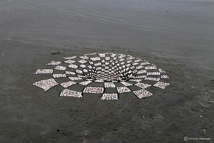 installazione-arte-sabbia-illusione-ottica-prospettiva-nightingale-rendu-3