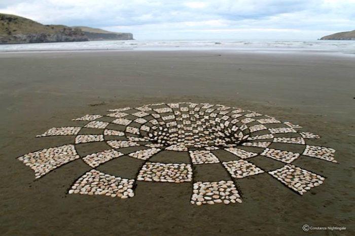 installazione-arte-sabbia-illusione-ottica-prospettiva-nightingale-rendu-5