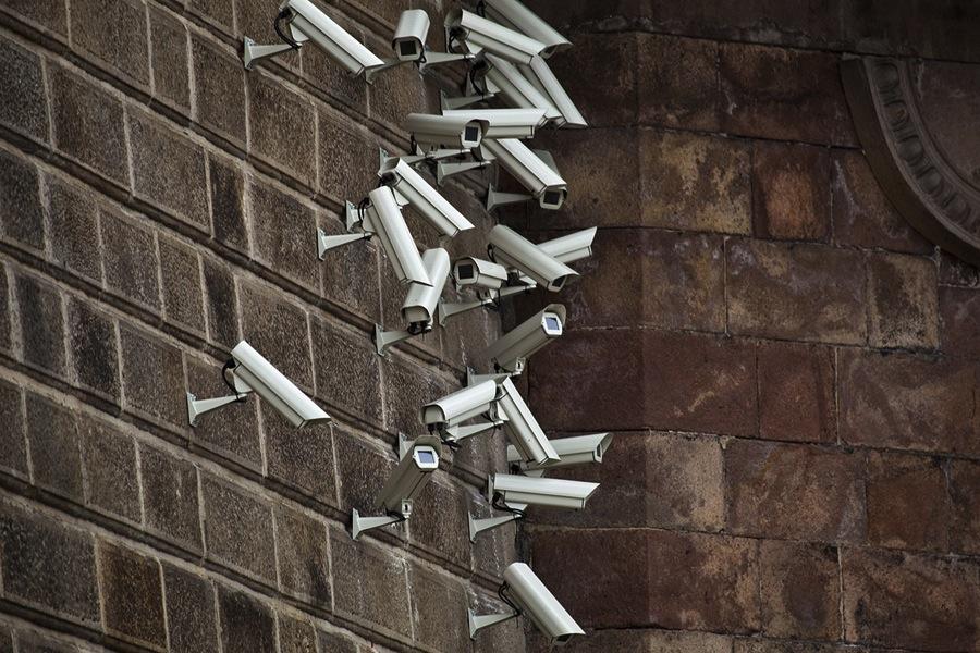 installazioni-arte-telecamere-sorveglianza-Jakub-Geltner-08