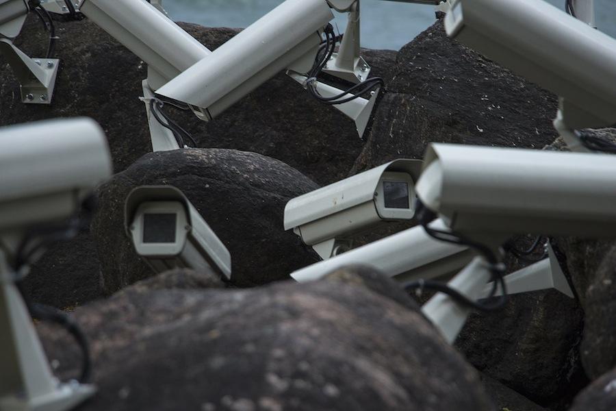 installazioni-arte-telecamere-sorveglianza-Jakub-Geltner-11