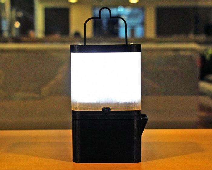 lampada-portatile-alimentata-sale-acqua-marina-salt-filippine-1