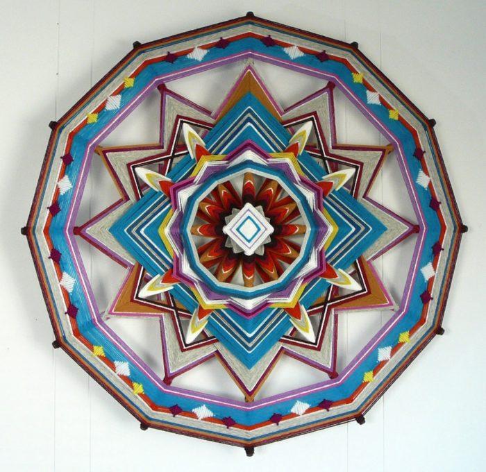 mandala-occhio-di-dio-tessuto-colorati-fai-da-te-jay-mohler-04
