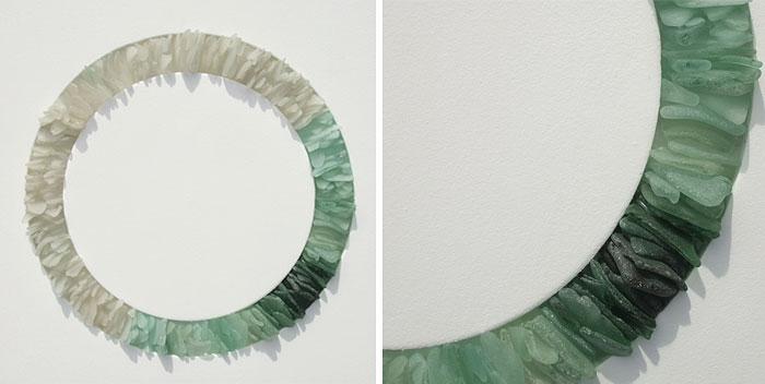 mare-vetri-riciclati-sculture-parete-jonathan-fuller-02
