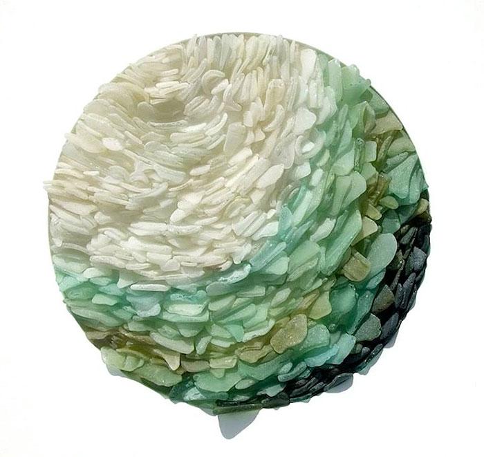 mare-vetri-riciclati-sculture-parete-jonathan-fuller-07