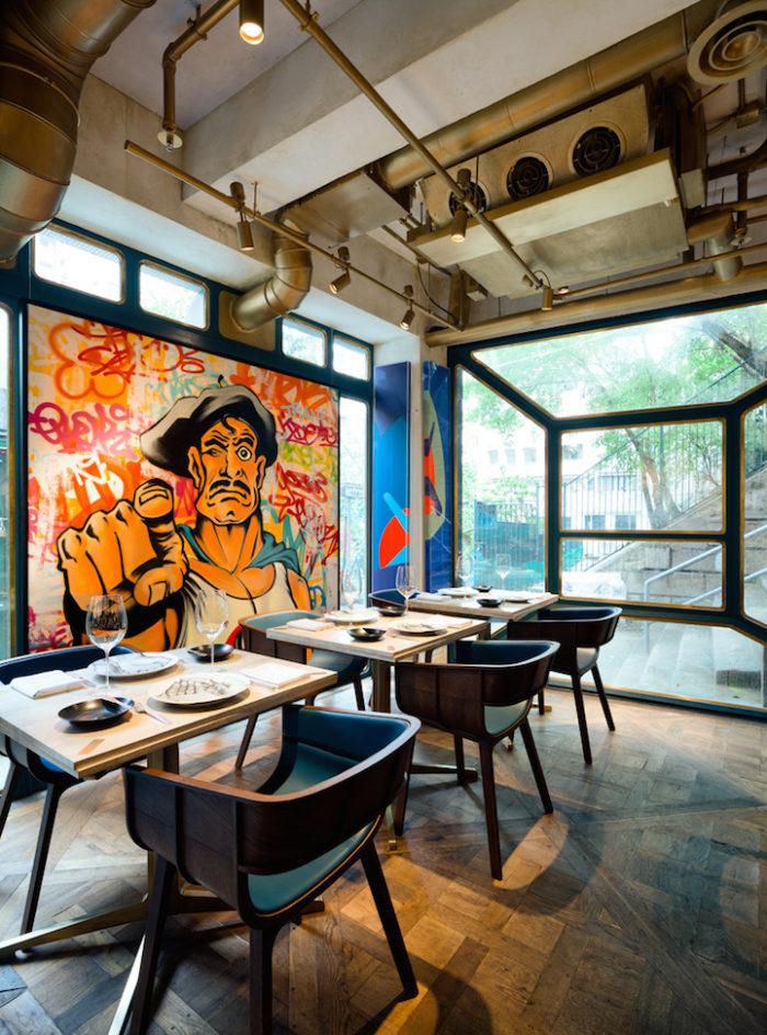 Le pareti di questo ristorante sono tutte opere di street for Interior design famosi