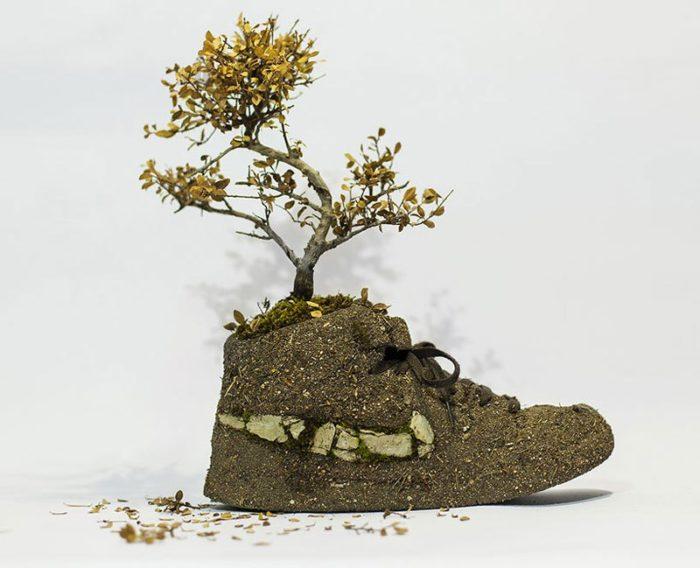 scarpe-nike-trasformate-ricoperte-piante-christophe-guinet-01